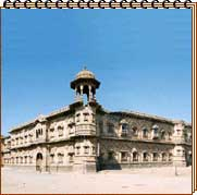 http://destinationsindia.com/images/new-images/palaces-of-india/darbargarh-morvi.jpg